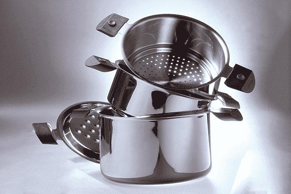 Cắt đồ dùng nhà bếp