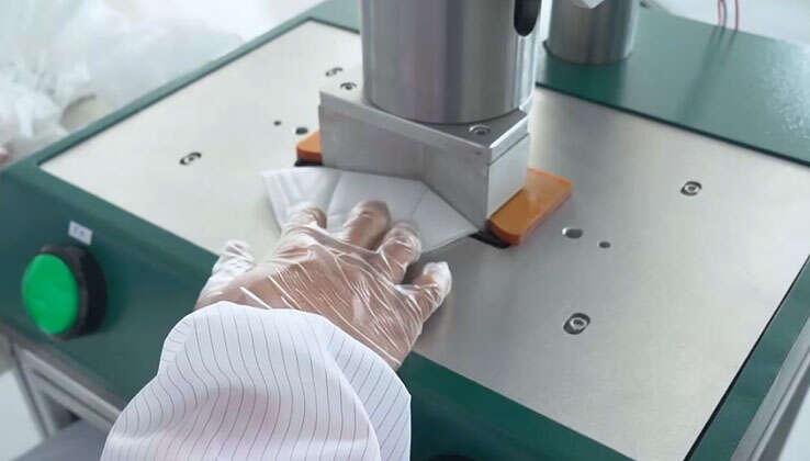 Máy cắt cạnh bán tự động KN95