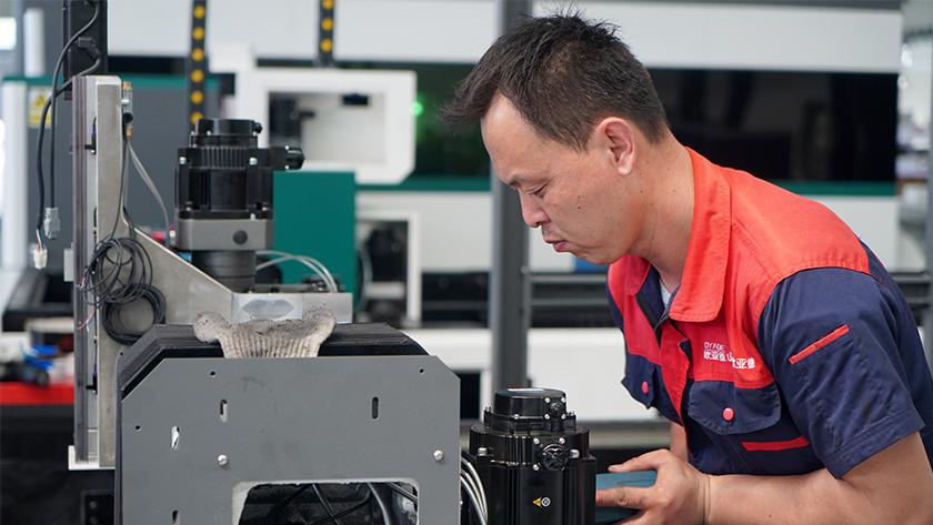 Làm thế nào để nâng cao hiệu quả cắt của máy cắt laser